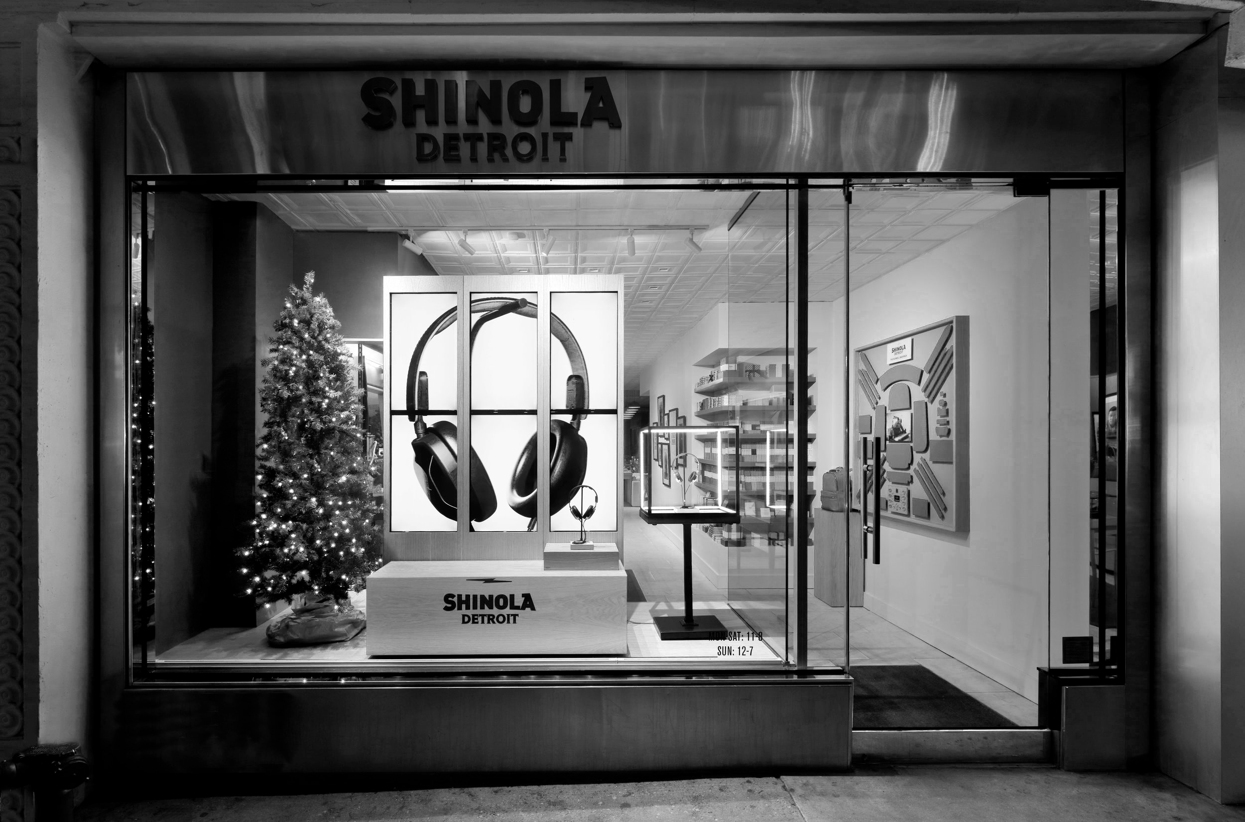 Shinola Monitor Display