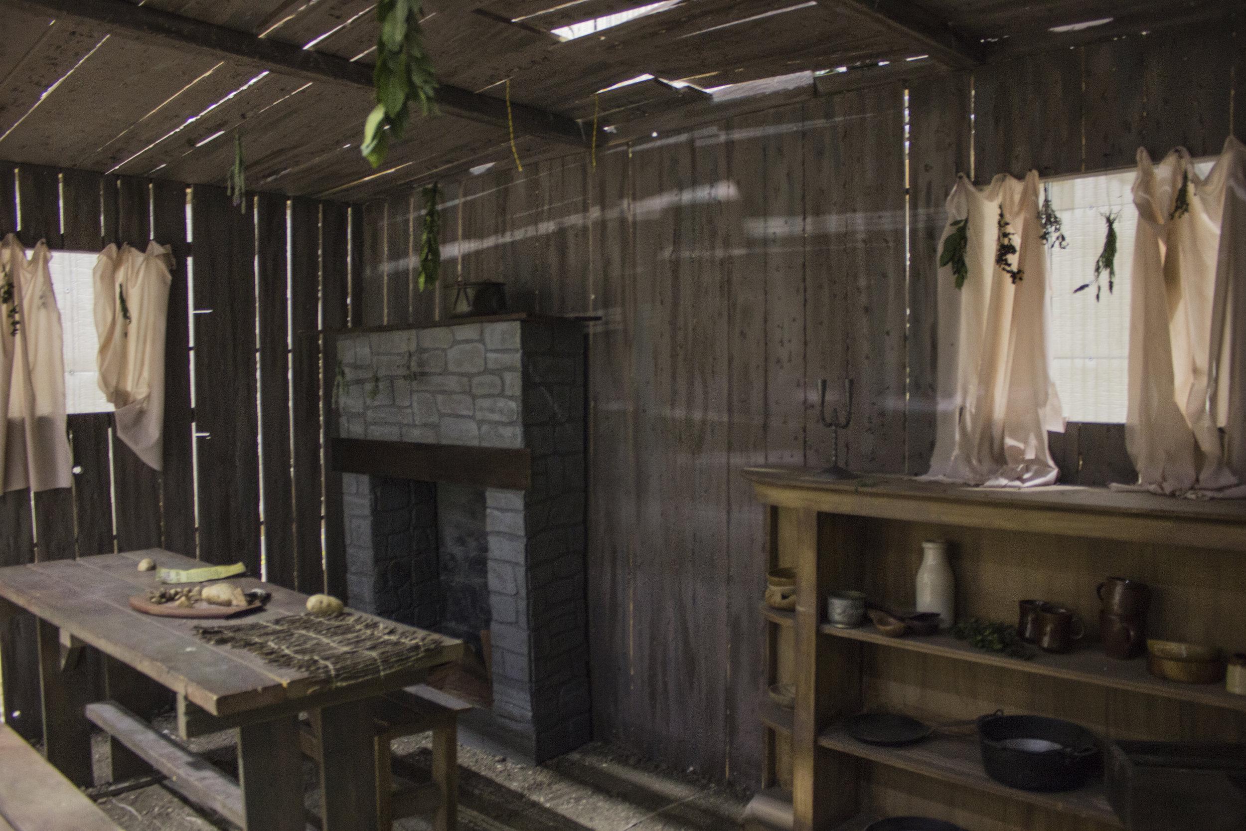 hut set 1.jpg