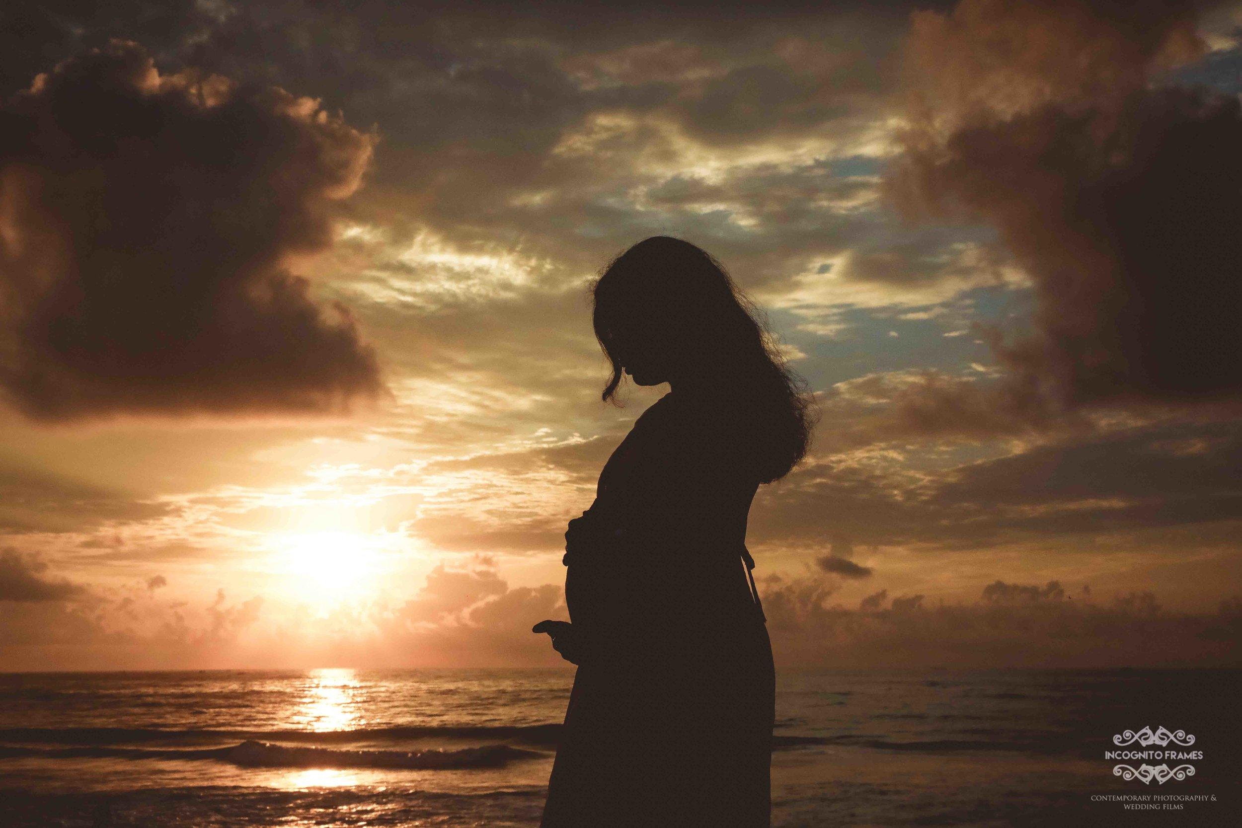 maternity beach shoots.jpg