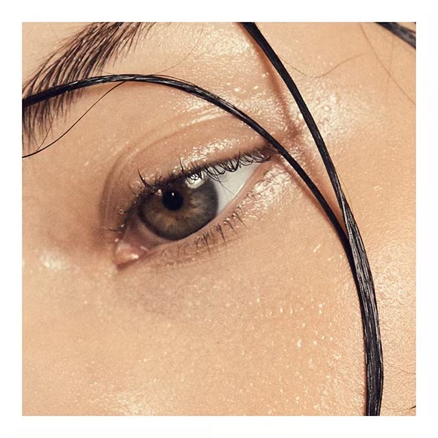 Use a delicate cleanser around the eyes and hydrate with OBAL OIL.