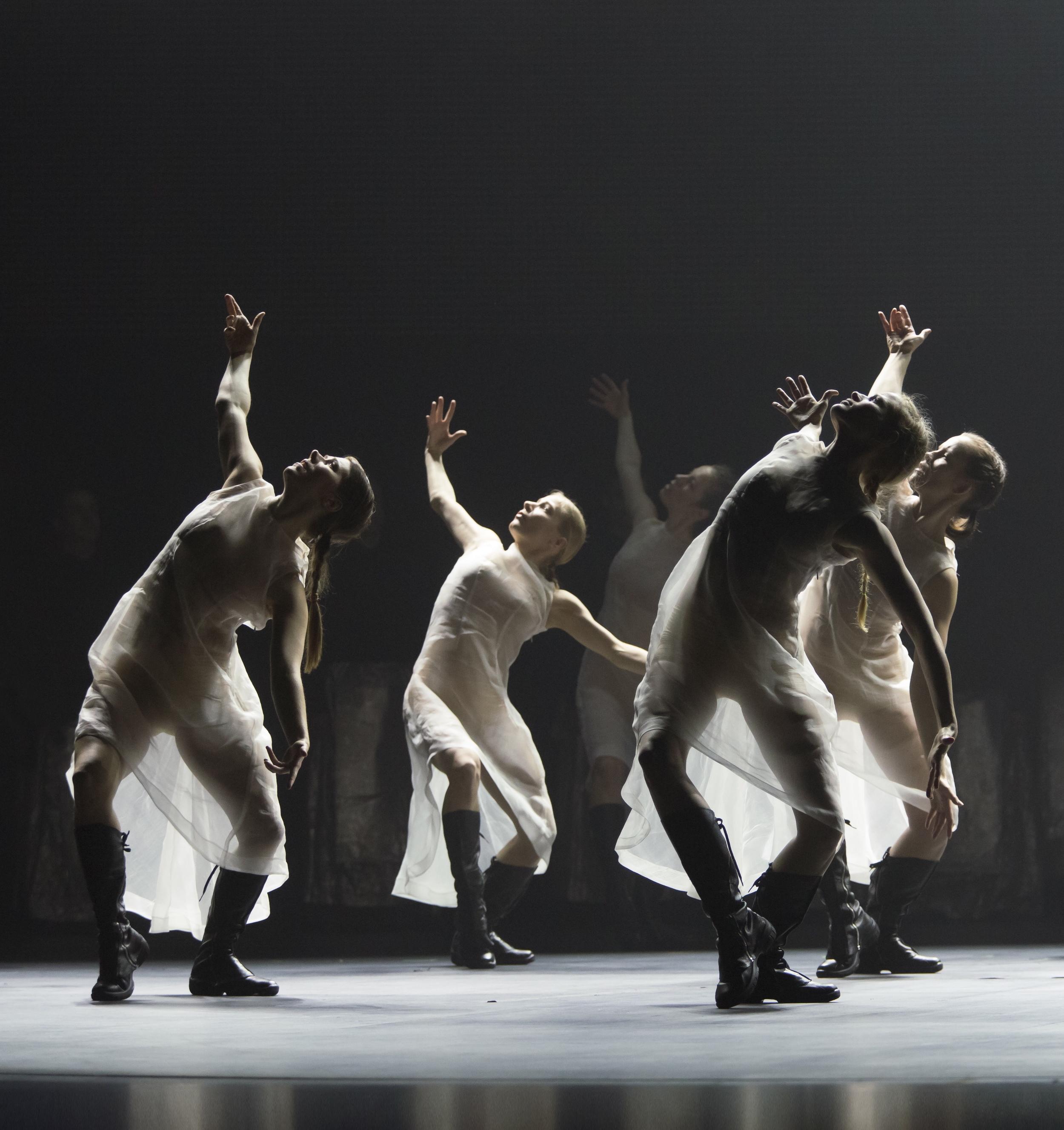 Kullervo ,  chor. Tero Saarinen. Finnish National Opera and Ballet w/ Tero Saarinen Company, 2015. Photo by Sakari Viika/FNO