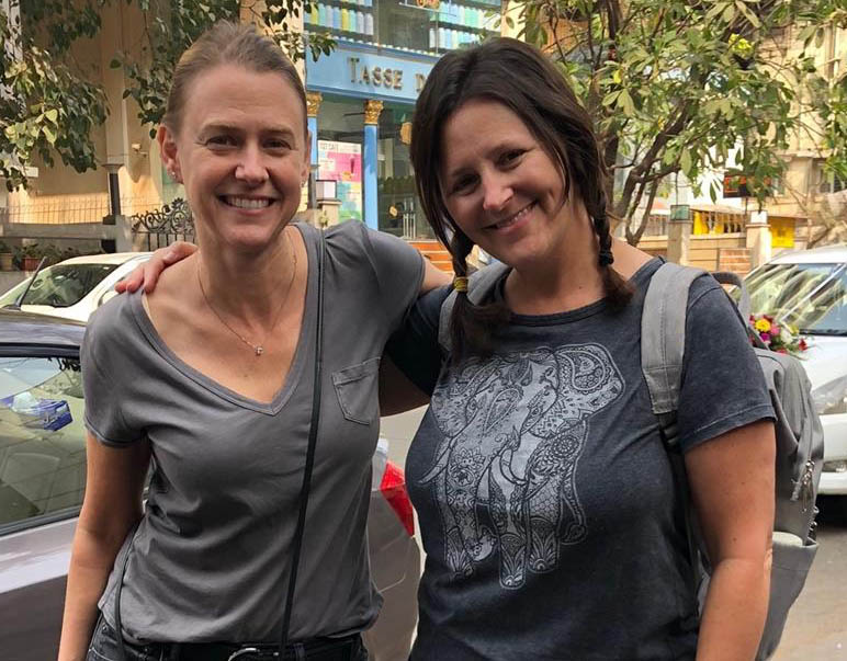 Jennifer Janisch (BSIM 1992)  with  Karen Doff (BSIM 1992)  in Mumbai, India.