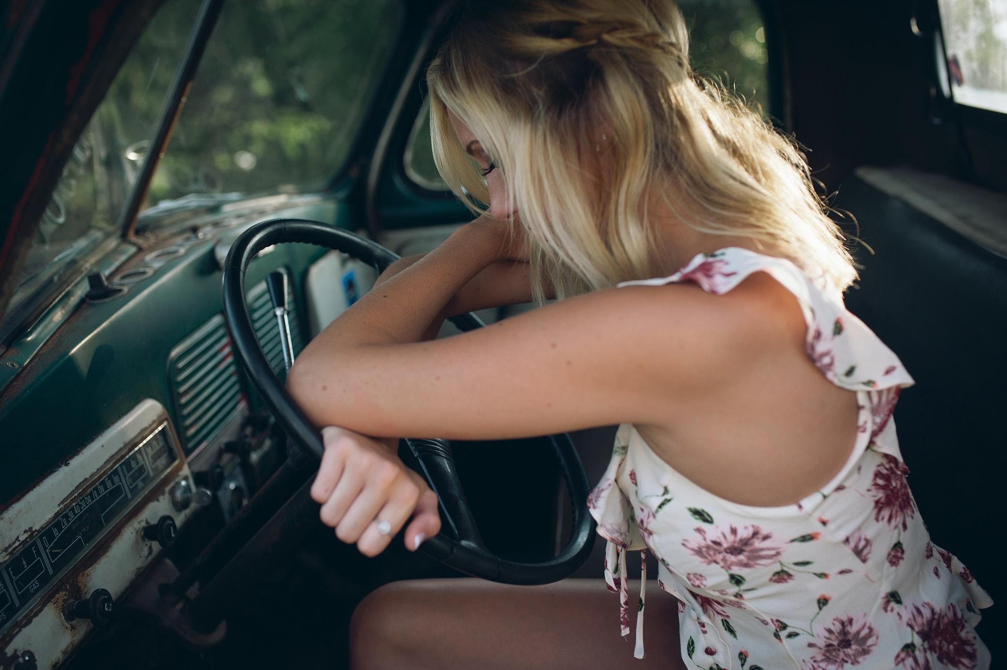 senior-picture-classic-truck-madison-wi.JPG