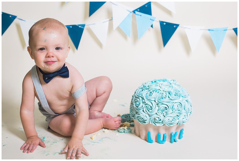 Kari Webb Photography_Orange County Photography_ Boy Cake Smash.jpg