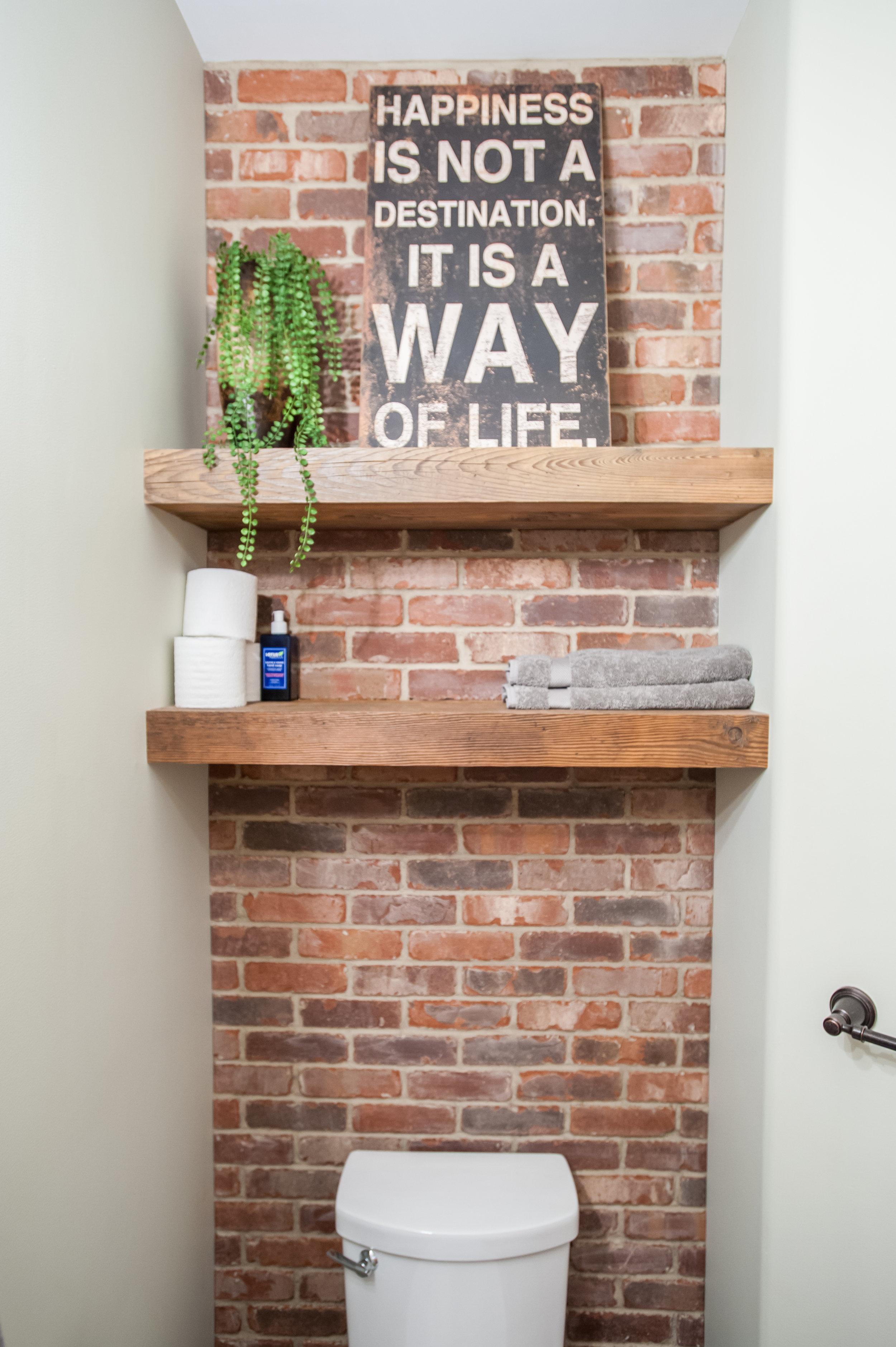 brick_tile_washroom