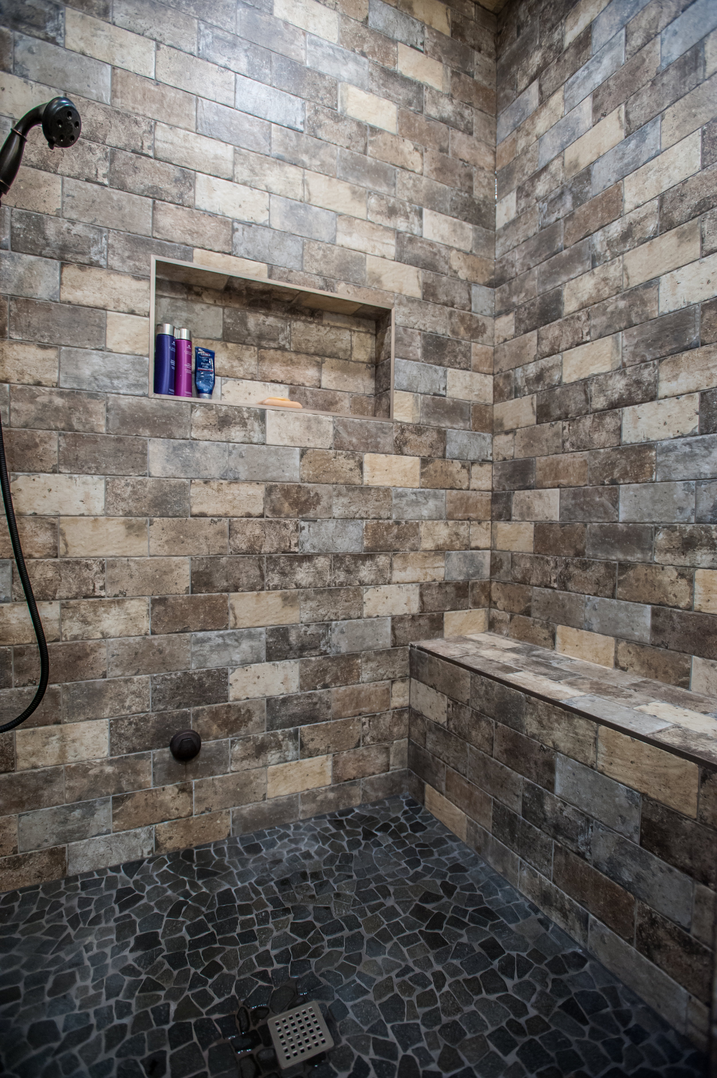brick_tile_shower_bench
