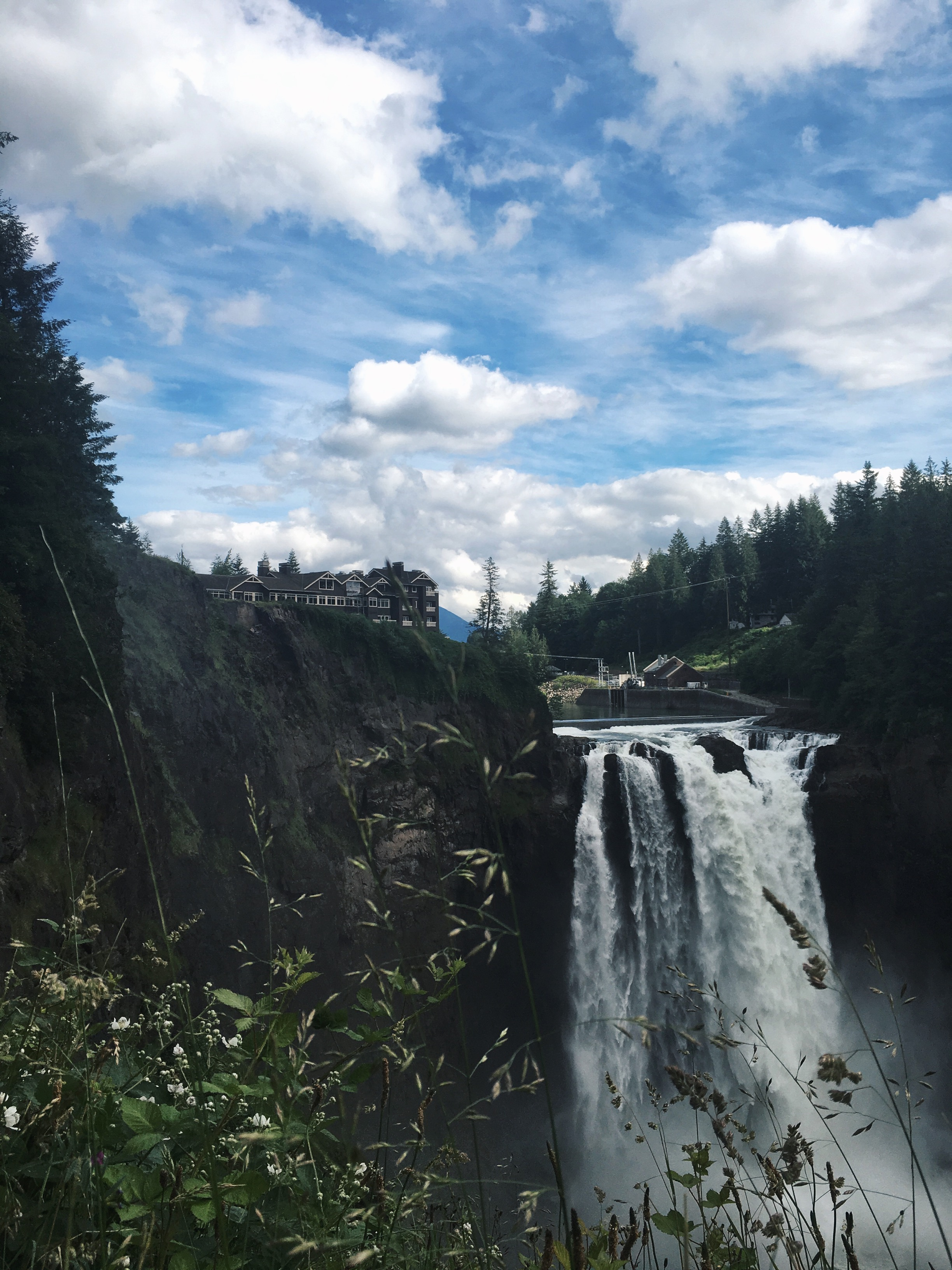 The 268ft Snoqualmie Falls, in all their glory. I took this at the top of the falls, on one of the upper viewpoints.