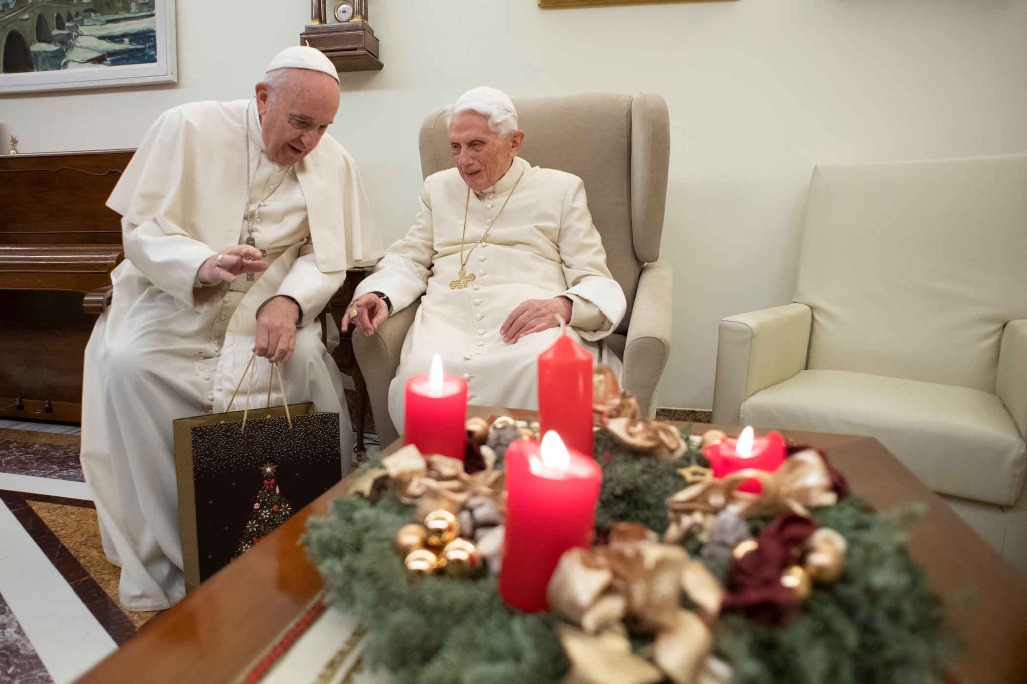 Pope Francis and Pope Emterius Benedict XVI Exchange Christmas Greetings