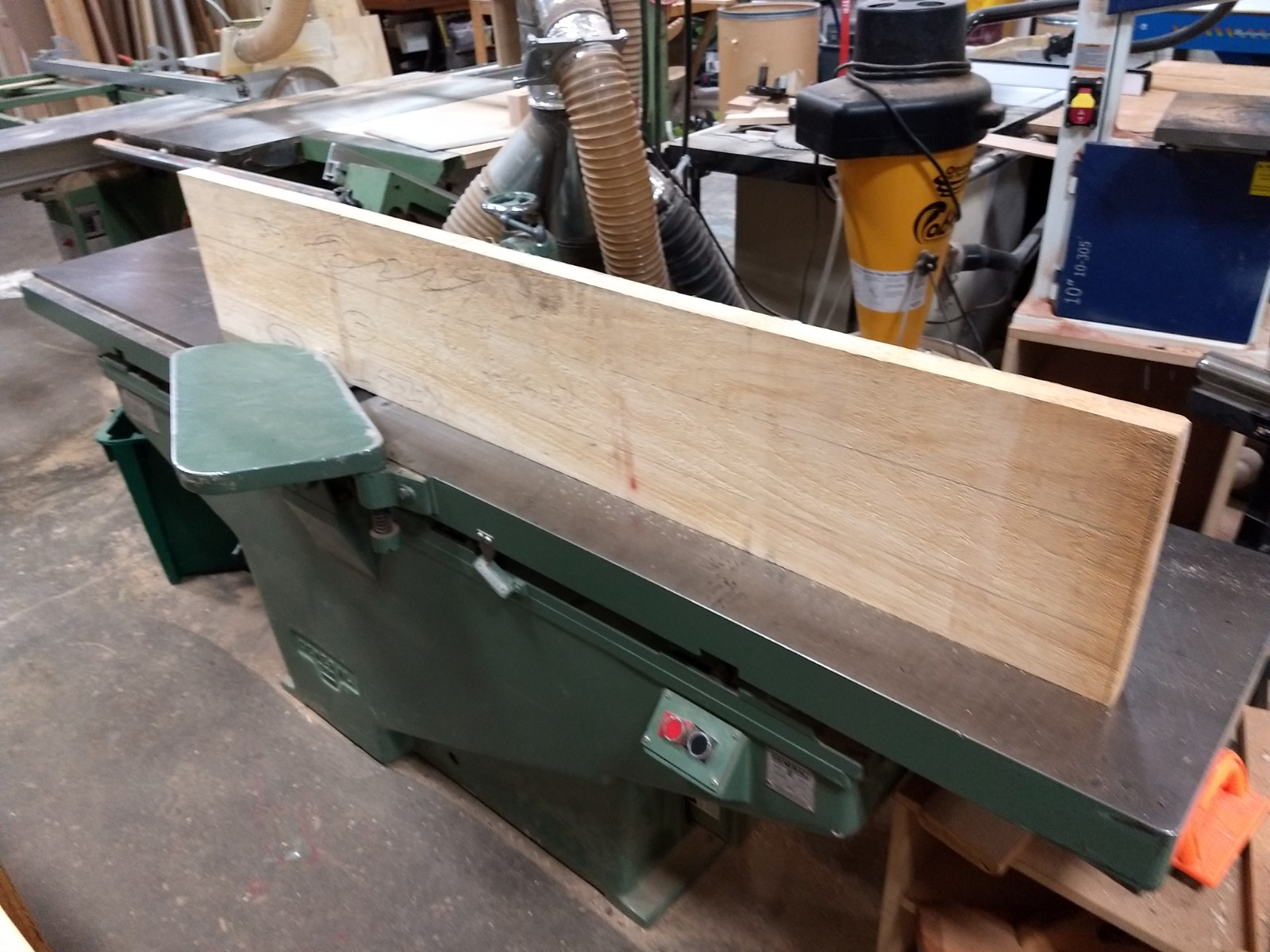 Straight edging on jointer