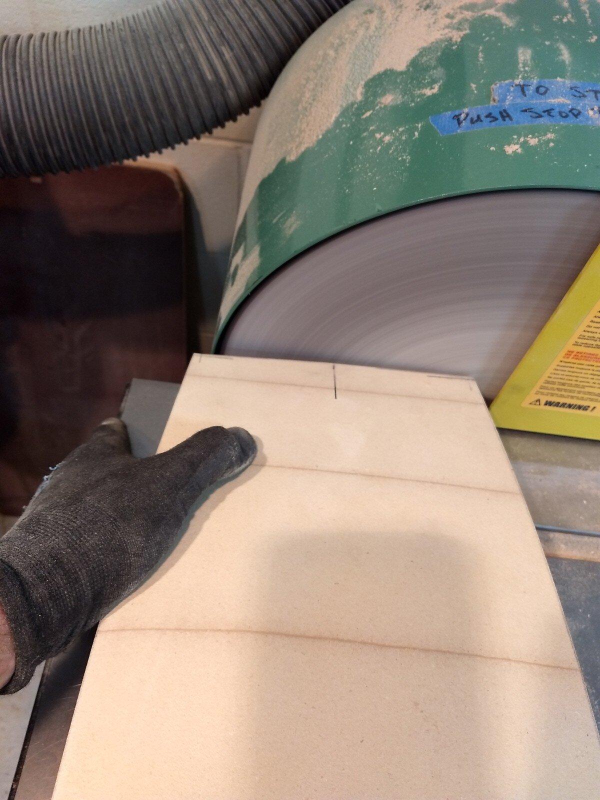 Sanding short arc on disk sander