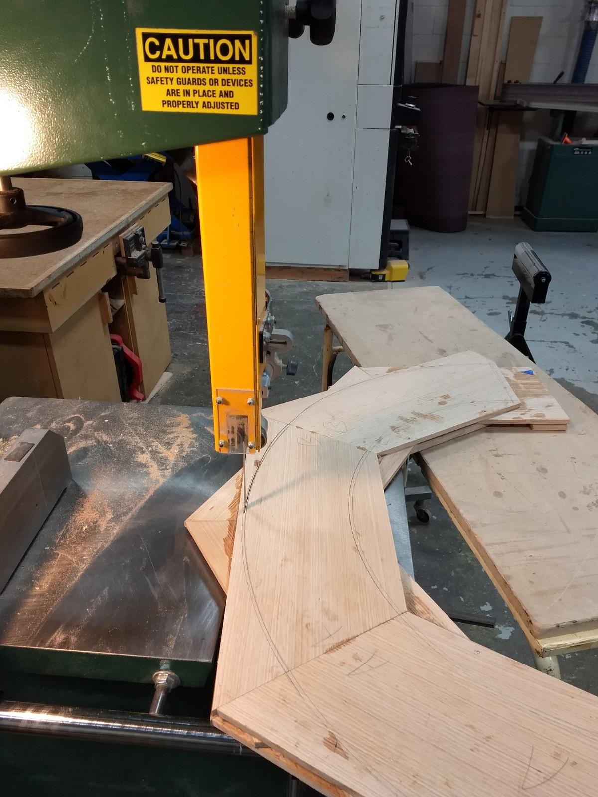 Cutting arch on band saw