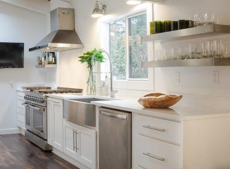 Phare-kitchen-sink-overview.jpg
