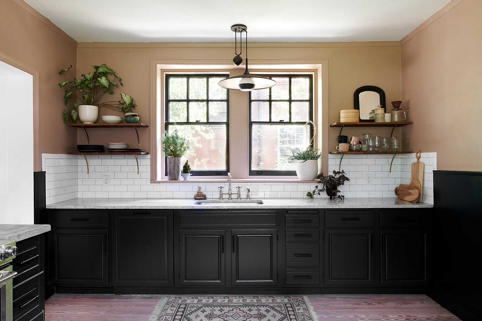 kitchen_lowres_window wall_01_v2.jpg