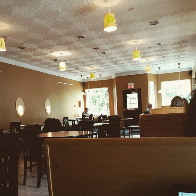 Trying out a new work space today! The Kenyon students are gone,  so I thought now would be a good time to try it out!  I have enjoyed working in the different coffee places around Knox County.  Where is your favorite coffee place?  #livefree #authenticityandgrace #authenticity #grace #coffeehouse #coffee #coffeelover #workspace #healthcoach #lifecoach #women #kenyon #kenyoncollege #brave #speaker