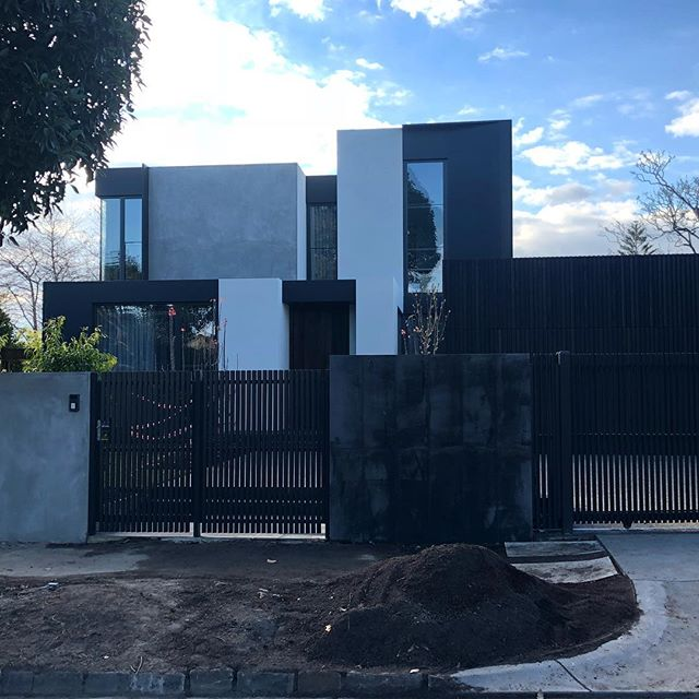 'Khoo House' by @t_a_square built by @envconstructions and landscaped by the boys @nathanburkettdesign  A fantastic outcome for our amazing friends who are enjoying there new home! A big thank you to all our trades for your commitment and dedication.