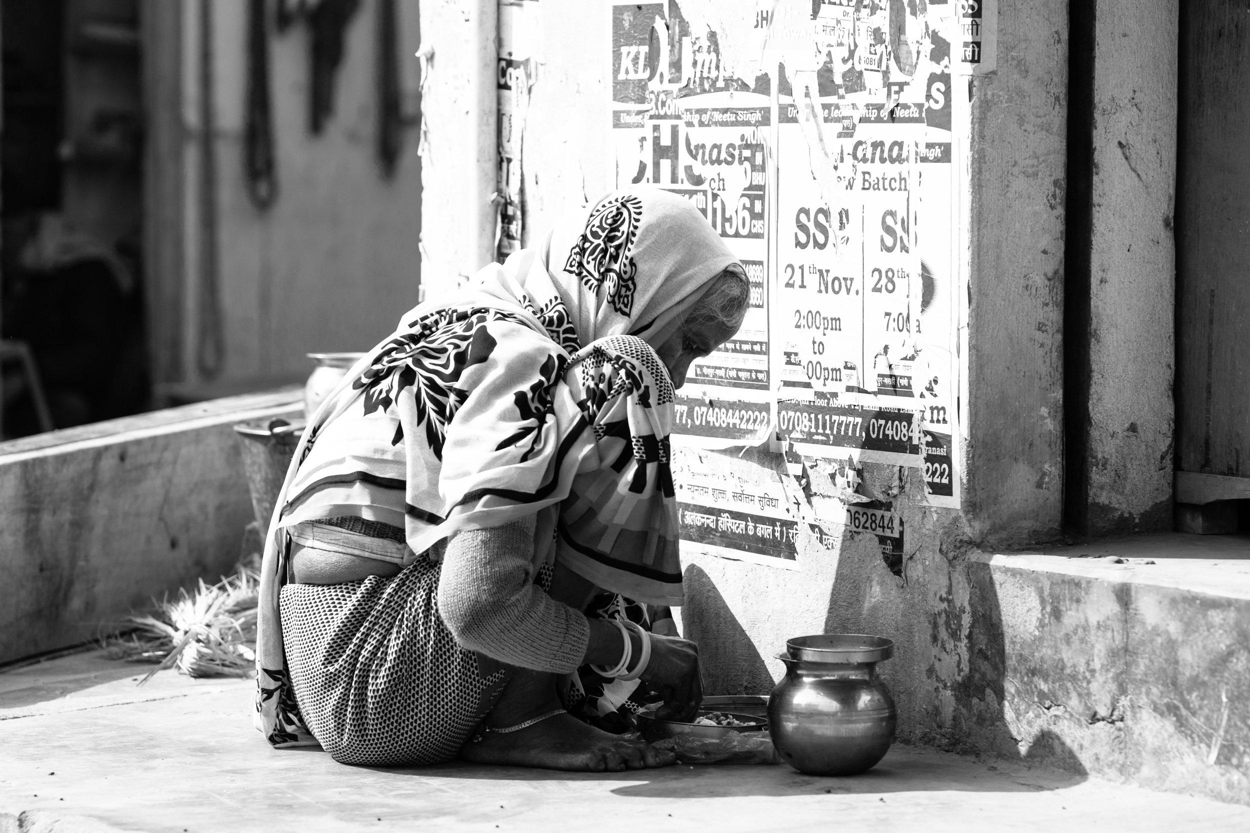 Varanasi_Morning Rituals_Greyscale_-1.jpg
