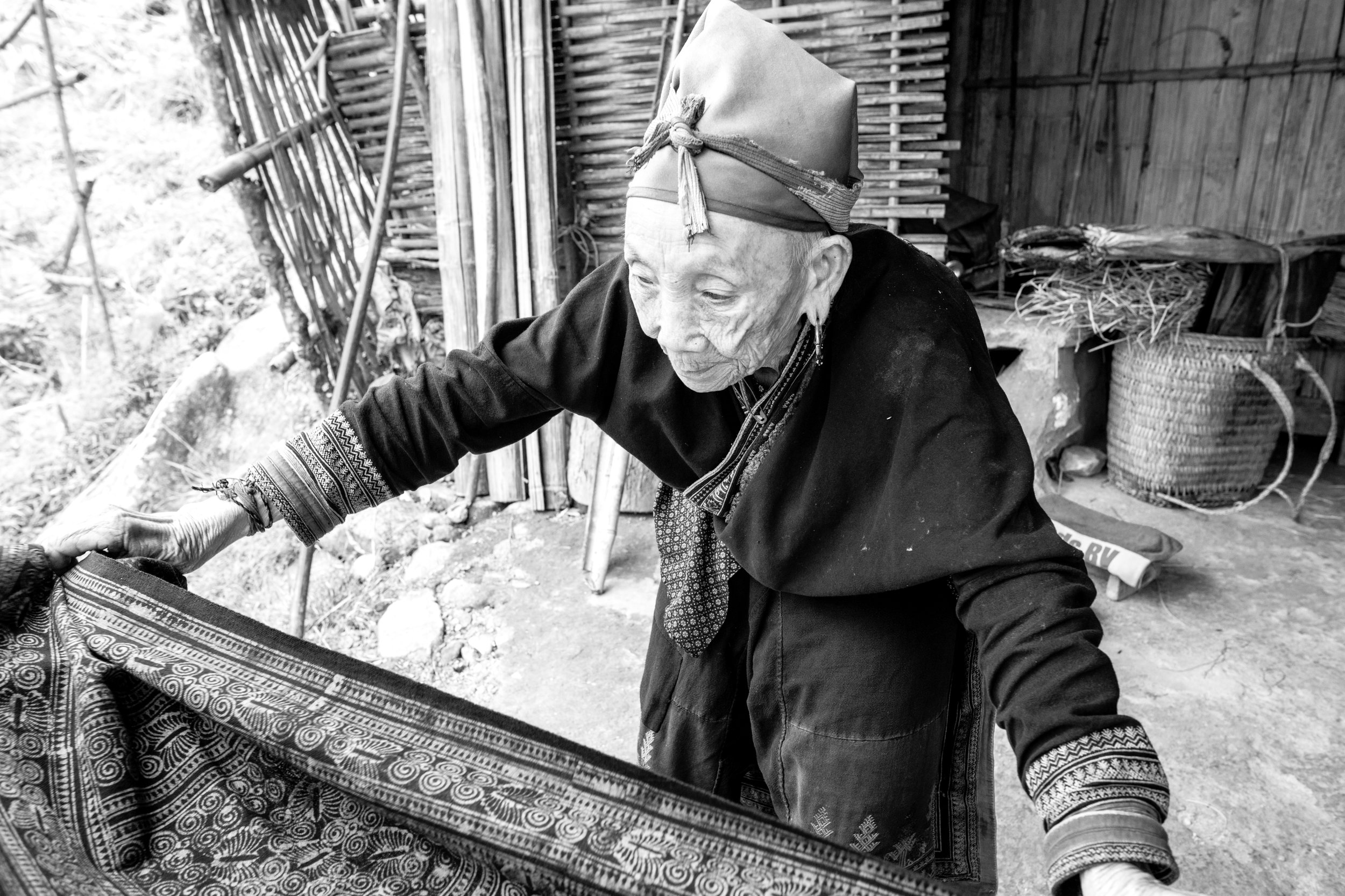 Hmong Lady_SaPa_Mono_-1.jpg