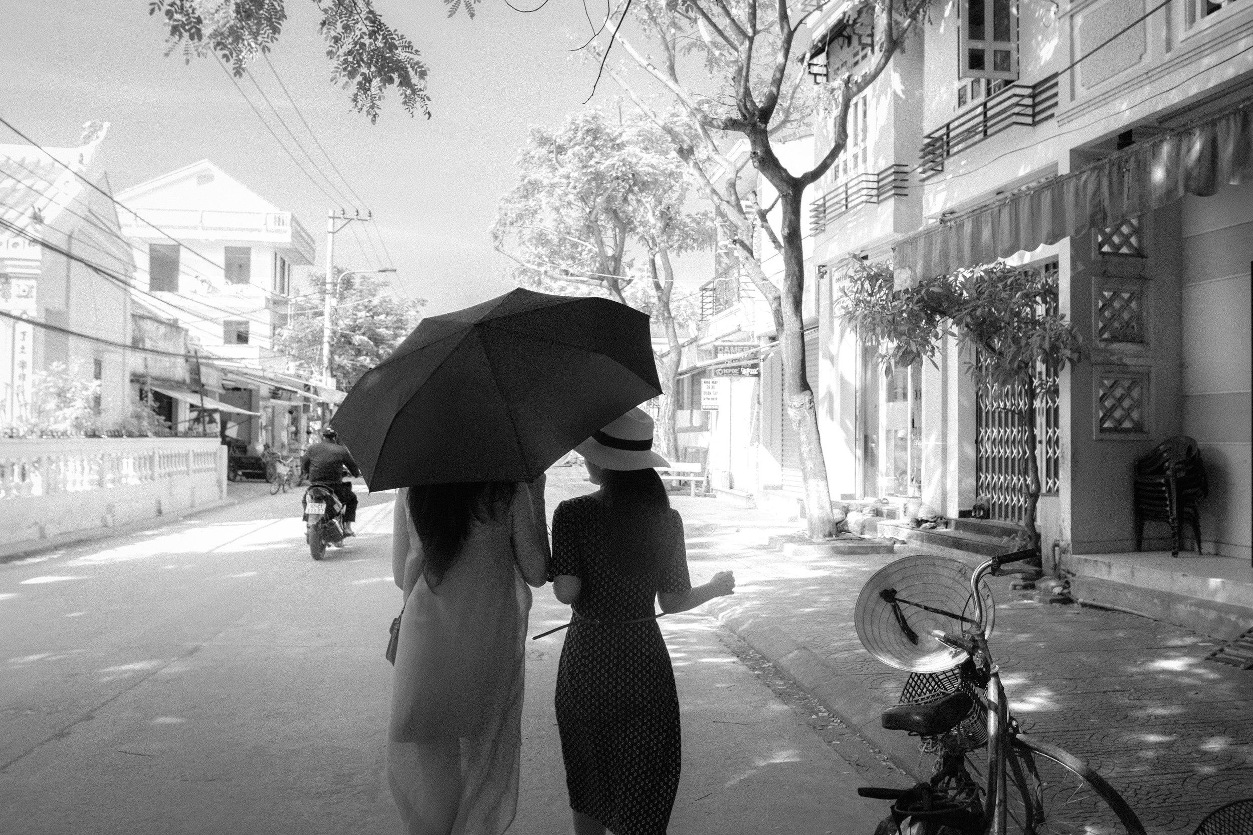 Hoi An_Street Walkin_Greyscale_-1.jpg