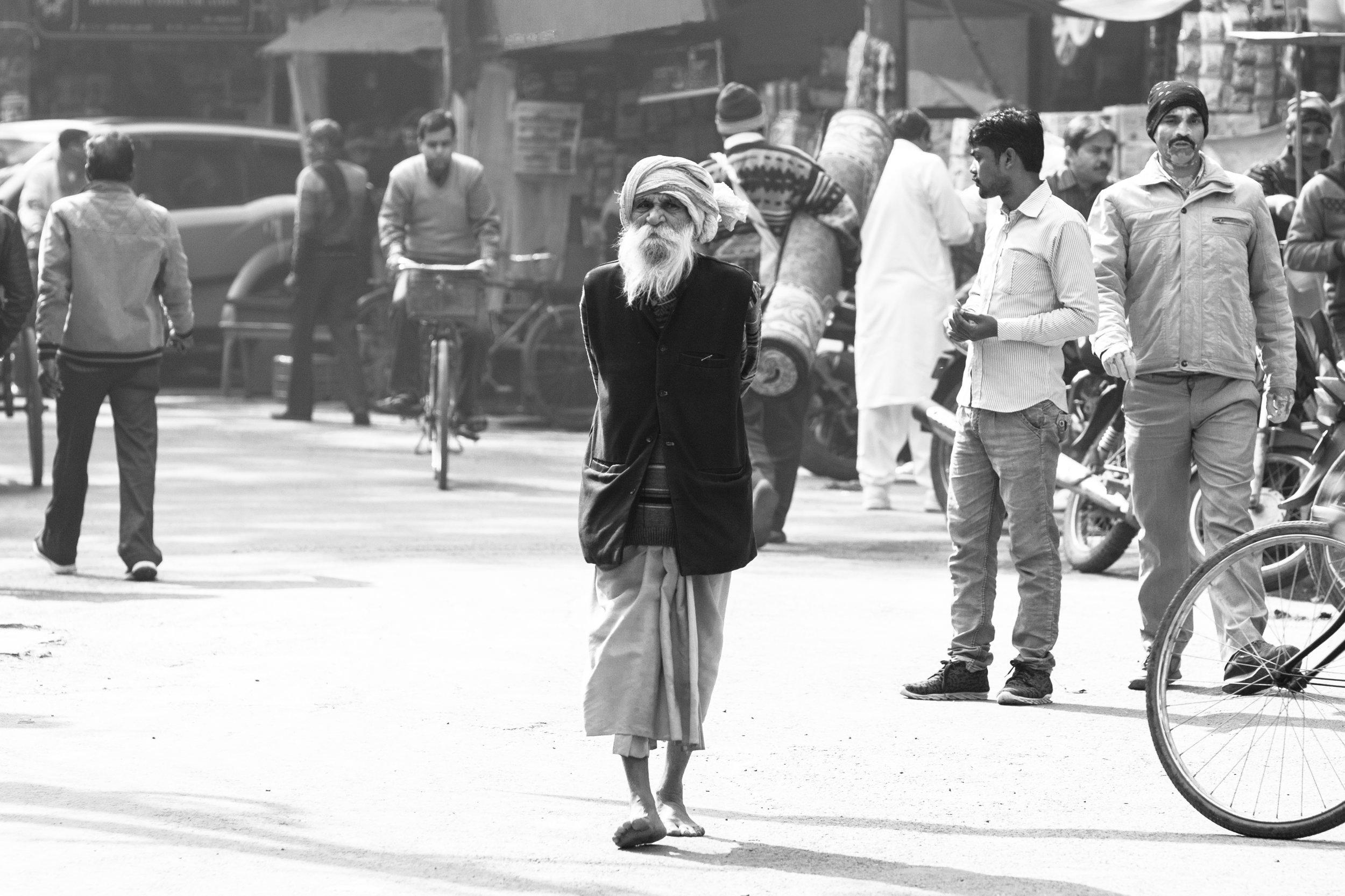 Sadhu_Varanasi_Mono_-1.jpg