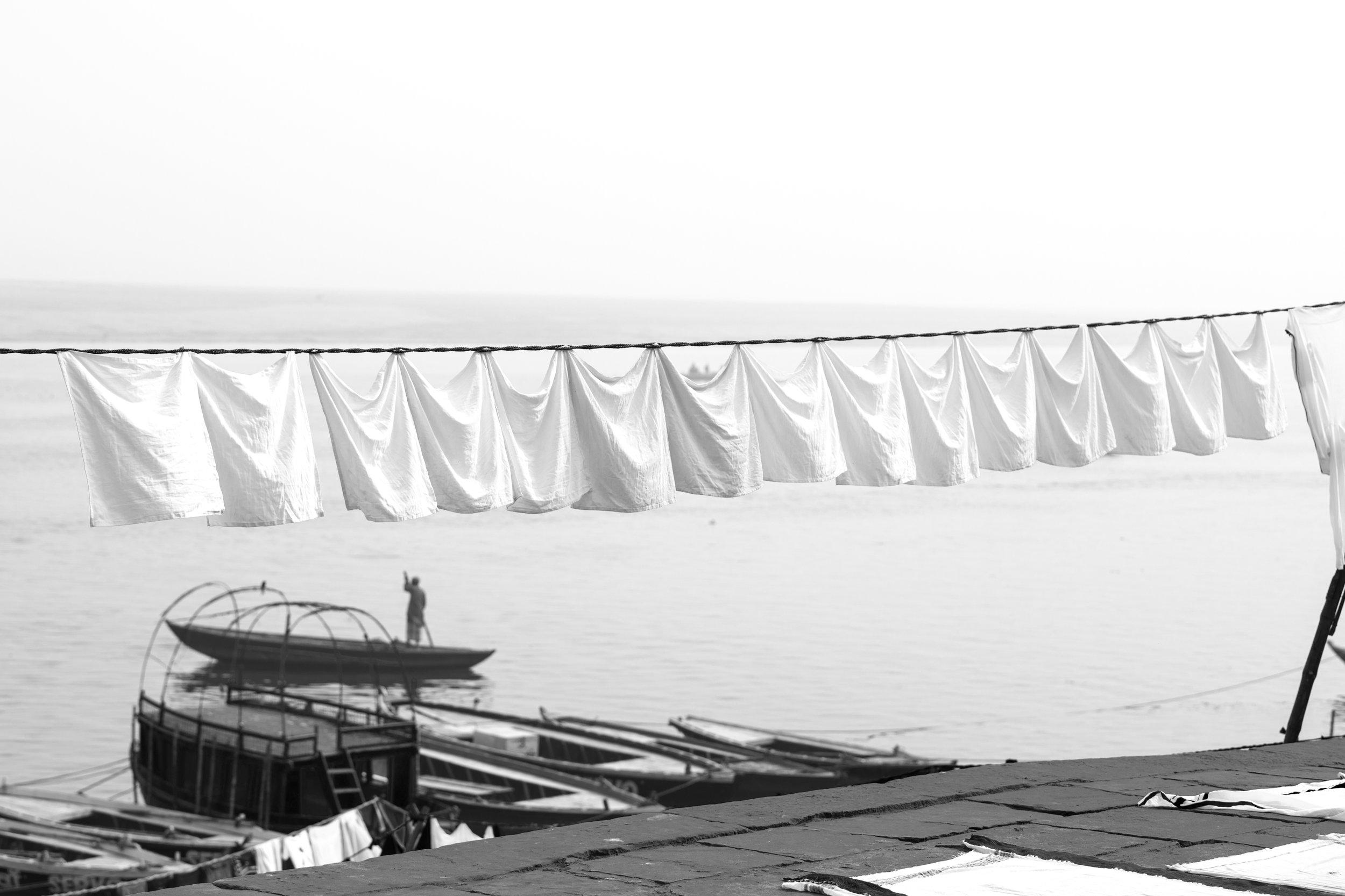 Washing_Varanasi_Mono_-1.jpg