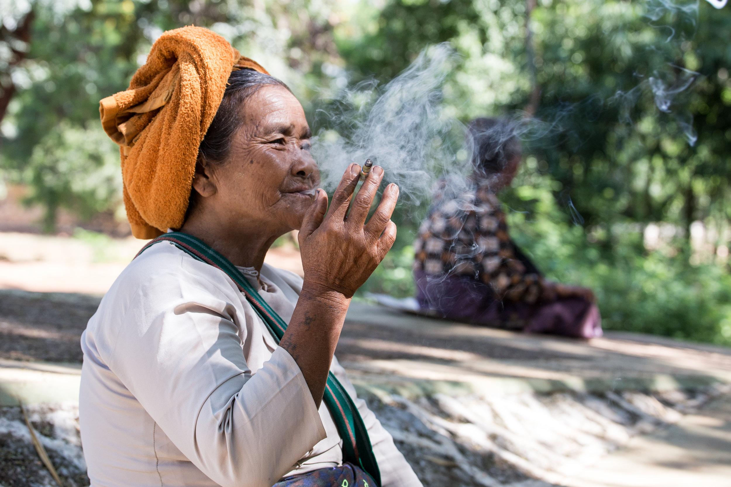 Cigar Lady_Inle_-1.jpg