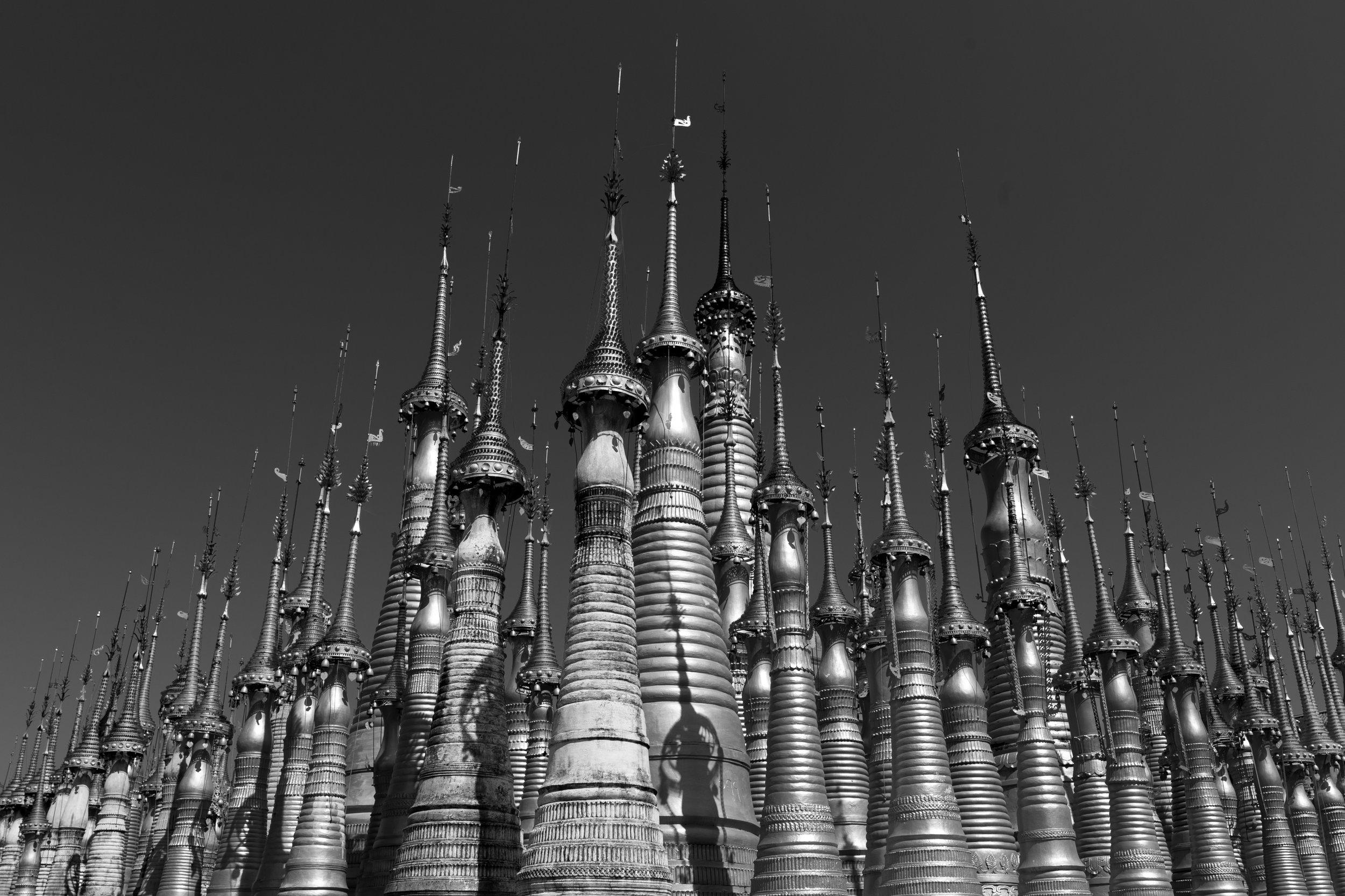 Stupa_InleLake_Mono_-1.jpg