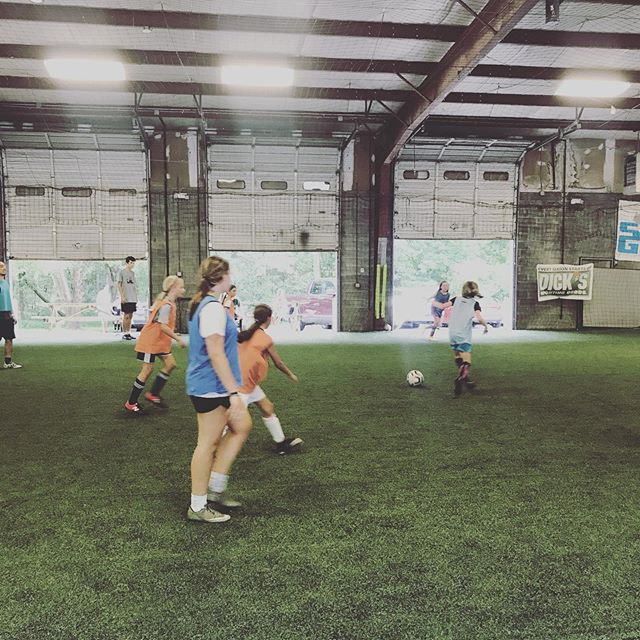 U10/11 Girls are fighting the heat and working super hard today! Proud of them for pushing through and improving today!