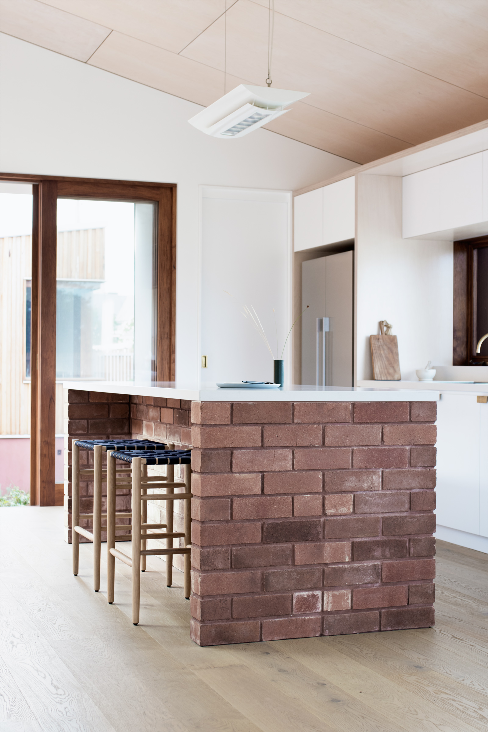 SYDNEY-RESIDENTIAL-ARCHITECT-TRIAS-STUDIO-THREE-PIECE-HOUSE-P09-BH.jpg