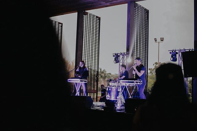 Gracias por el show de ayer, Cuernavaca! Estuvo muy power.  Ya estamos en Guadalajara y hoy tocamos en el @ccbreton a las 10pm. Vengan que el Mateo está de muy buen ánimo y está haciendo cosas inesperadas en el escenario 😈