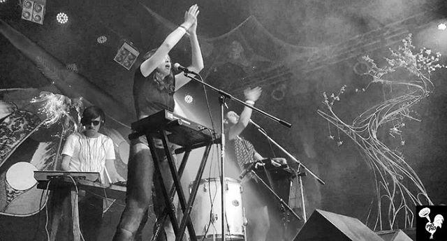 Gracias Fusion Festival, fue increíble entrar en tu realidad paralela. Ahora estamos en Berlín 🇩🇪 y nuestra siguiente parada es Paris 🇫🇷 Estos son nuestros próximos shows: - 03/07 La Javelle - 04/07 Poisson-Lune - 05/07 Le Bal de la Marine . . @pio_pio_ec gracias por el booking en Fusion Festival . . #festival #show #showtime #andes #latin #party #trap #traplatino #beats #ecuador #alternative #indiemusic #indie #artist #art #composition #liveperformance #evha  #music #electronicmusic #electronica