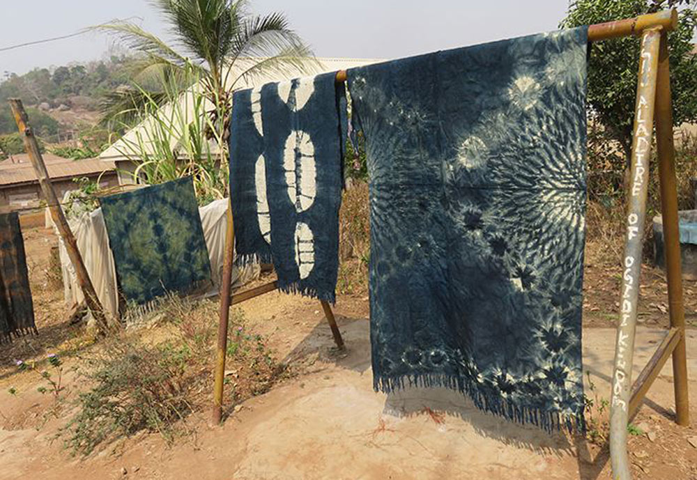 Examples for indigo dyeing of handwoven cloth at Nike Arts Center at Ogidi.©Stephen Hamilton