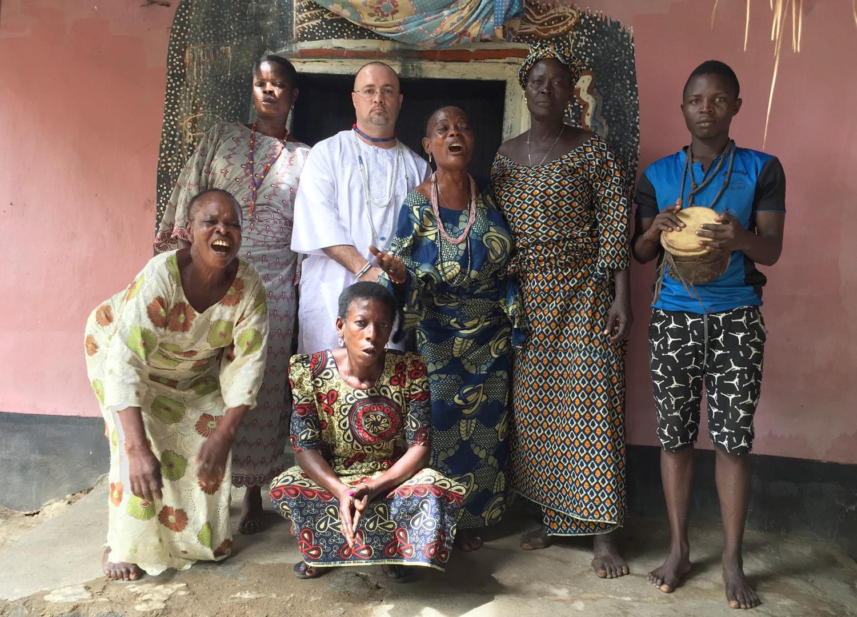 Nathan at an Ọmọlú shrine in Abẹ́òkúta, Ògùn State, Nigeria.©Nathan Lugo