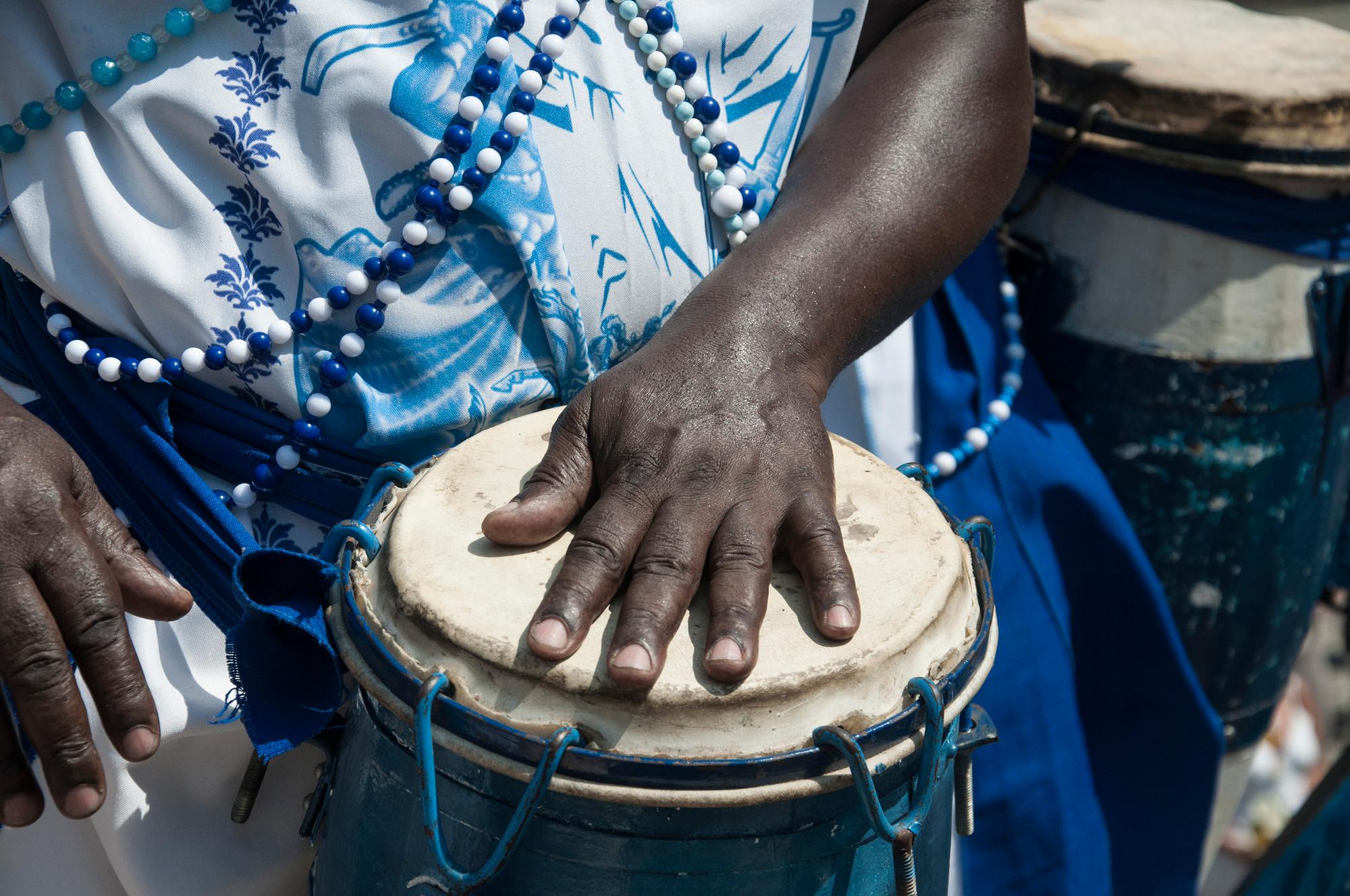 A Brazilian drummer playing for Orisha Iemanjá (Yor.Yemọja), photo  Midía Ninja CC  BY-SA 2.0