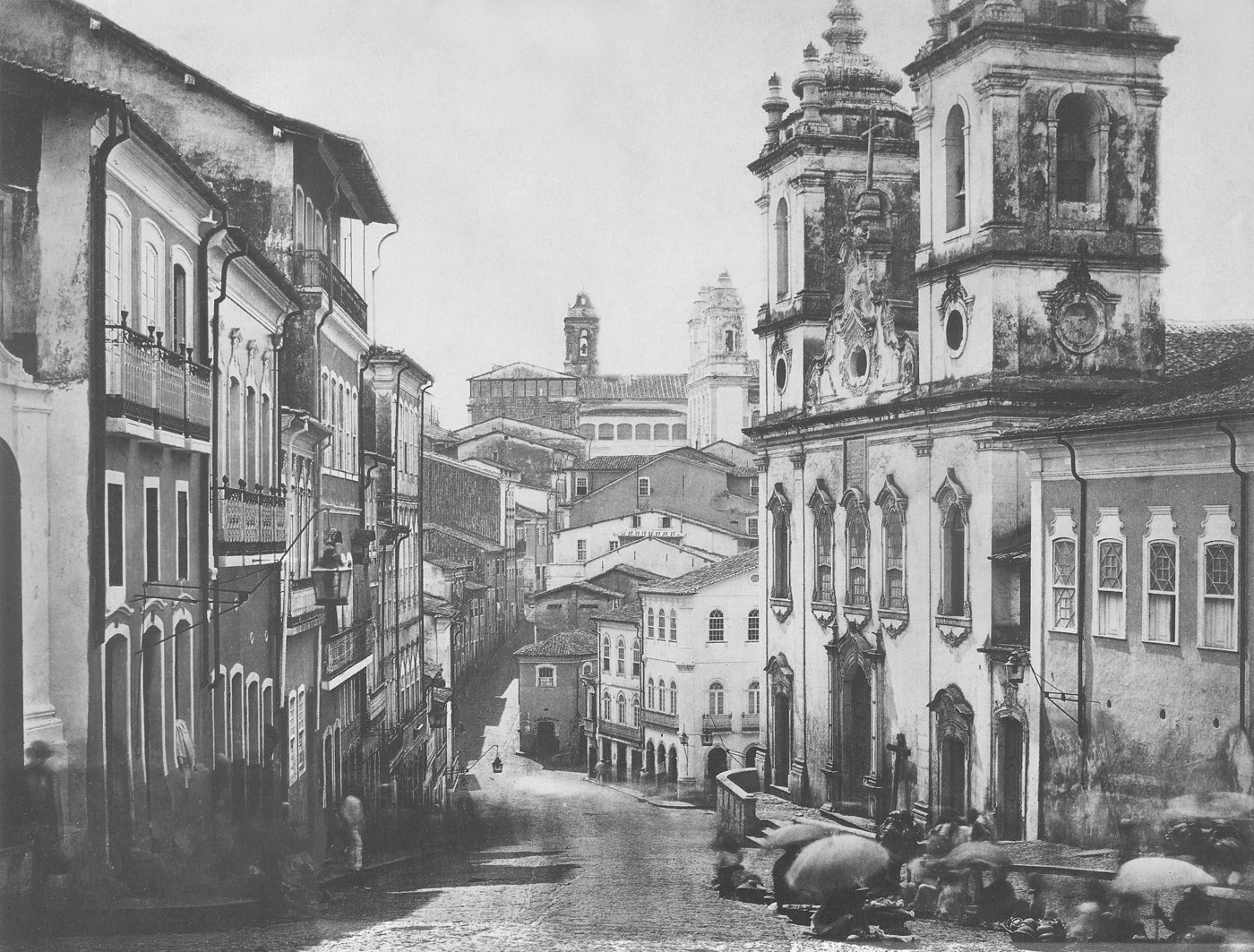 The Pelourinho in Salvador da Bahia photographed by Benjamin Mulock in 1859. At right, the Rosário church, built by Africans in the 18th century to house an important black confraternity, Nossa Senhora do Rosário dos Pretos. See the  Guia Geográfico