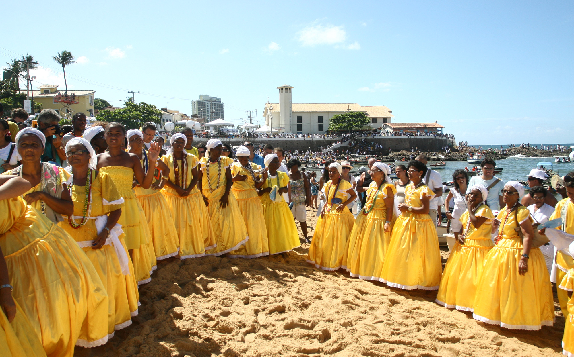 A celebration of Orixá Iemanja in Brazil at the sea shore in 2010. Image by  Fotos GOVBA  CC BY 2.0