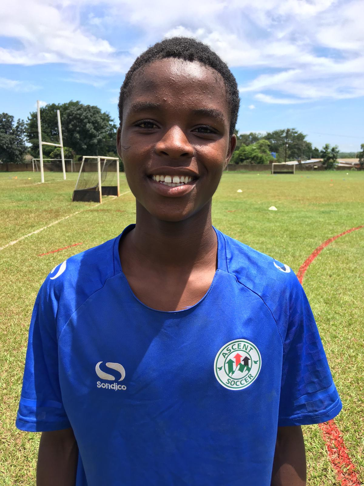 Esau Chaipa - Right Back/Winger Academy Sponsor: Gil Ohls Academic Sponsor: Gil Ohls Residential Sponsor: Available