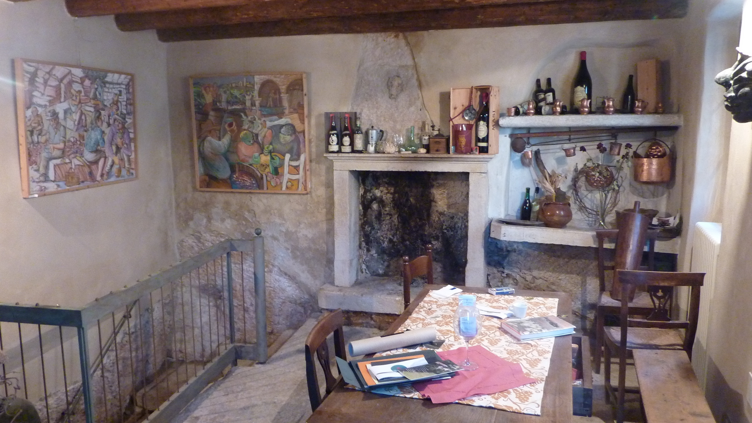 Interno dell'enoteca