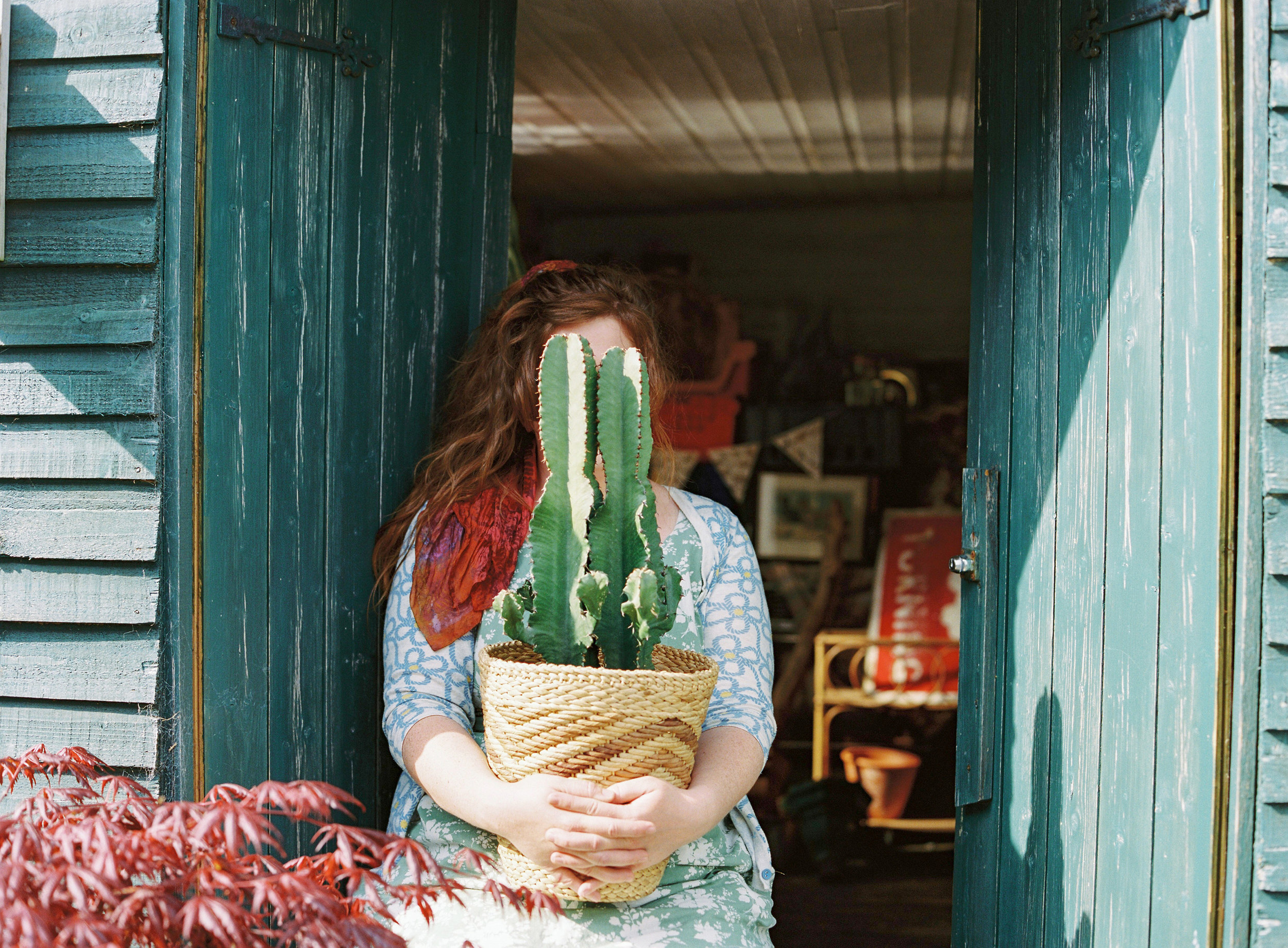 The Girl That Gardens | Cumbria - Alice is a very talented floral designer who has sustainability high on her priorities. She calls her style 'romantic hedgerow'.