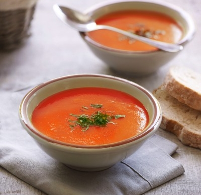 tomato and red roasted red pepper soup with bread