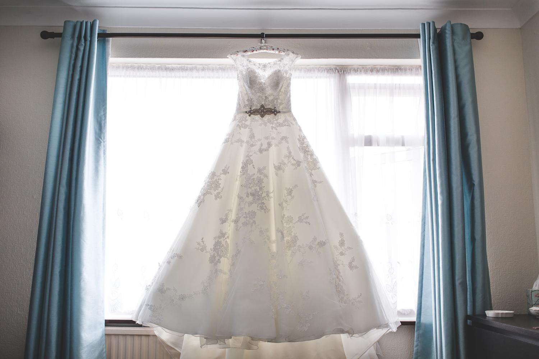 Surrey Wedding Photographer Hannah Dan001.jpg