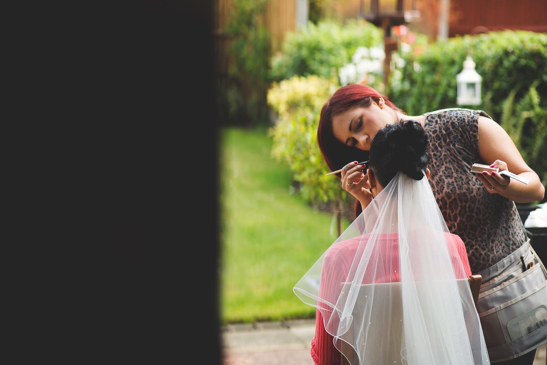 Surrey Wedding Photographer Hannah Dan006.jpg