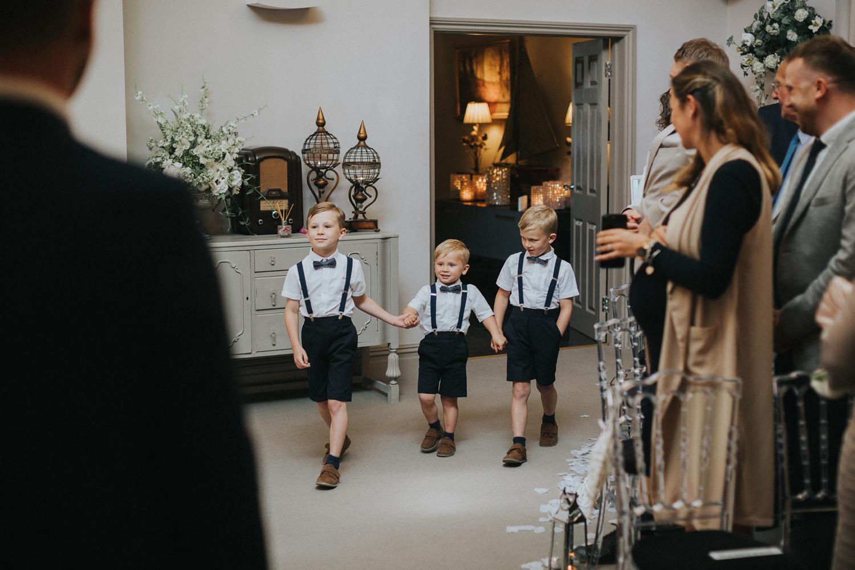 Reigate Wedding Photographer008.jpg