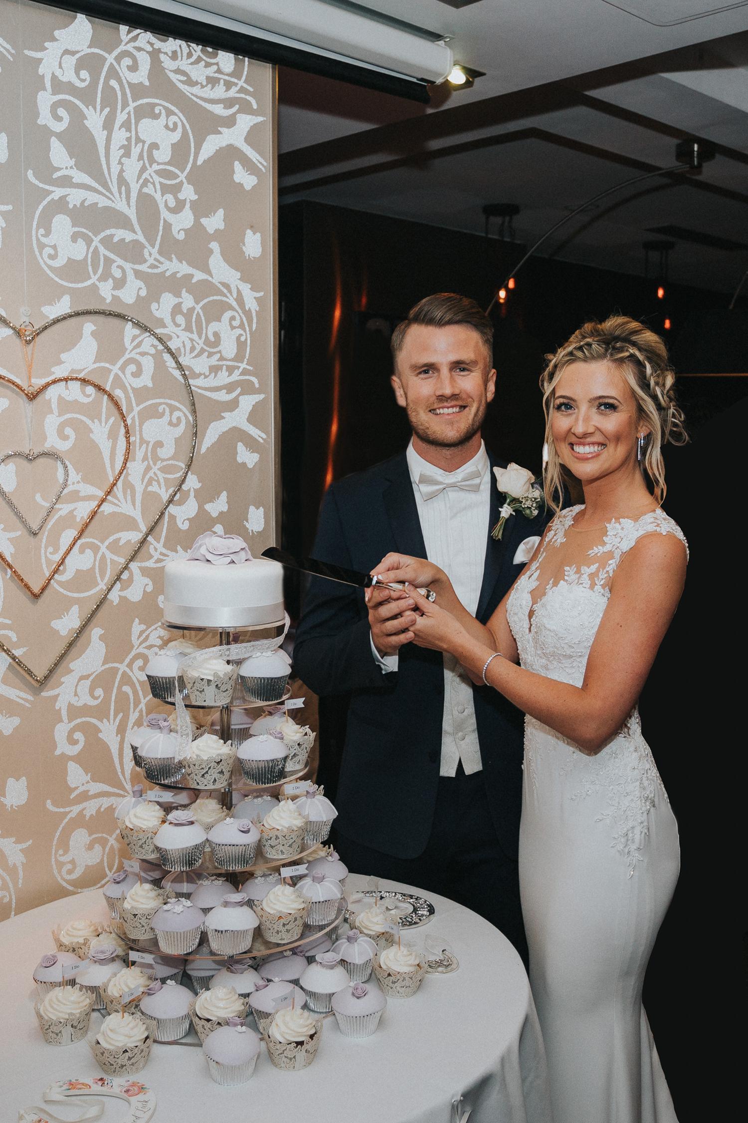 Surrey Wedding Photographer017.jpg