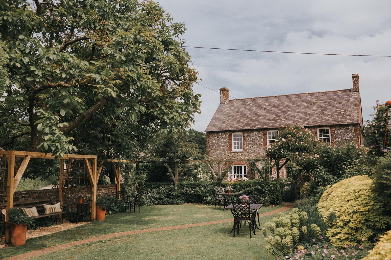 Upwaltham Barns Wedding004.jpg