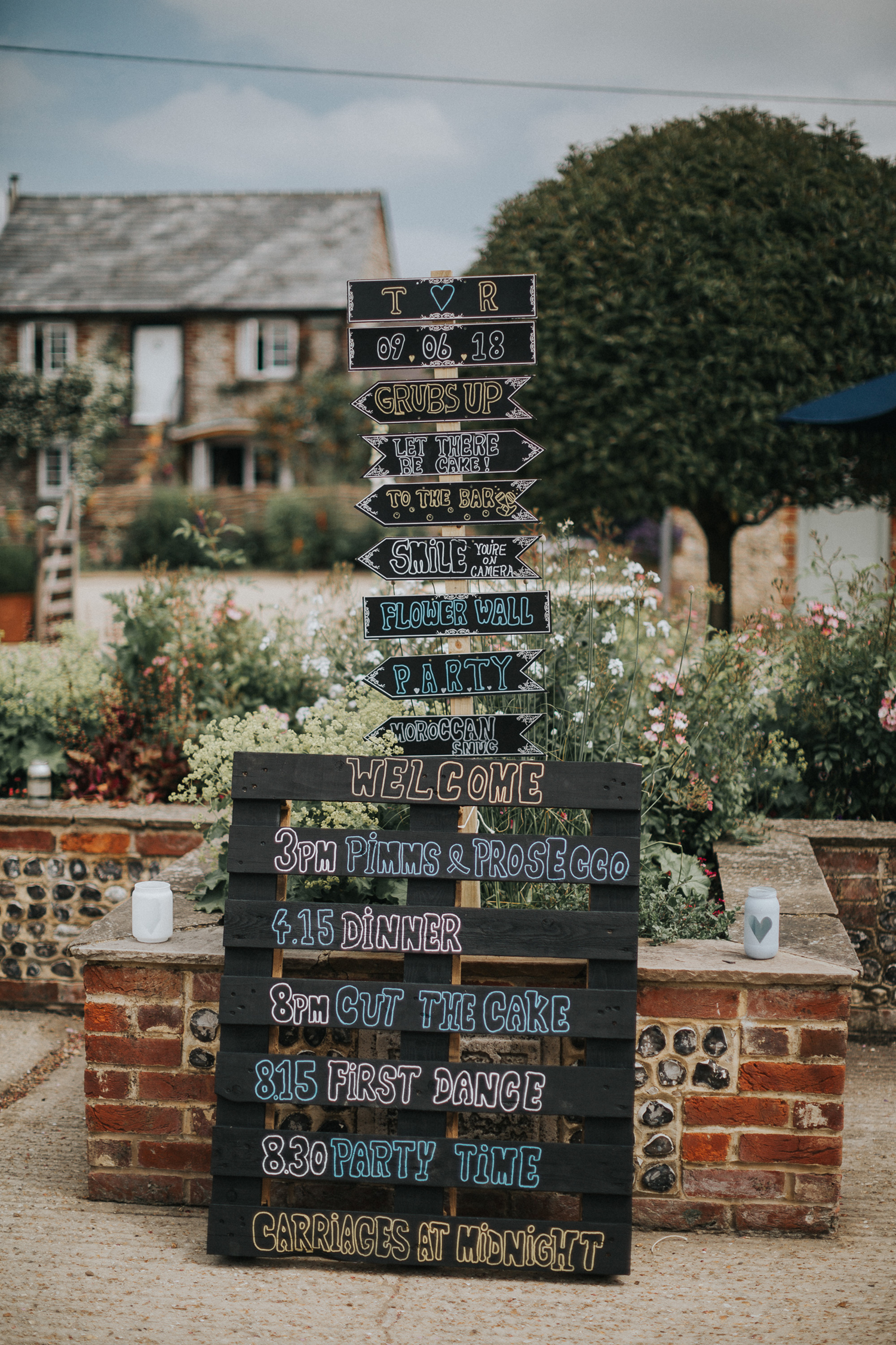 Upwaltham Barns Wedding005.jpg