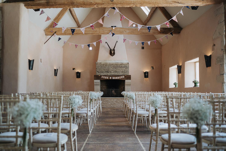Oxleaze Barn Wedding0021.jpg