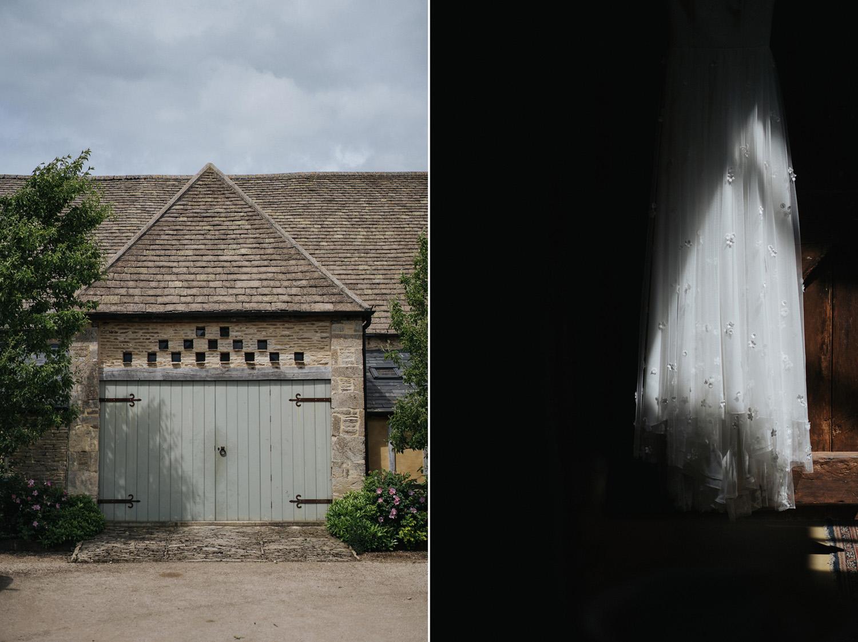 Oxleaze Barn Wedding0025.jpg