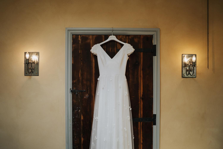 Oxleaze Barn Wedding0027.jpg