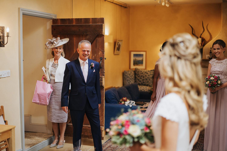Oxleaze Barn Wedding Photos0007.jpg