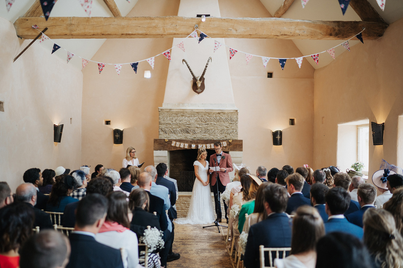 Oxleaze Barn Wedding Photos0037.jpg
